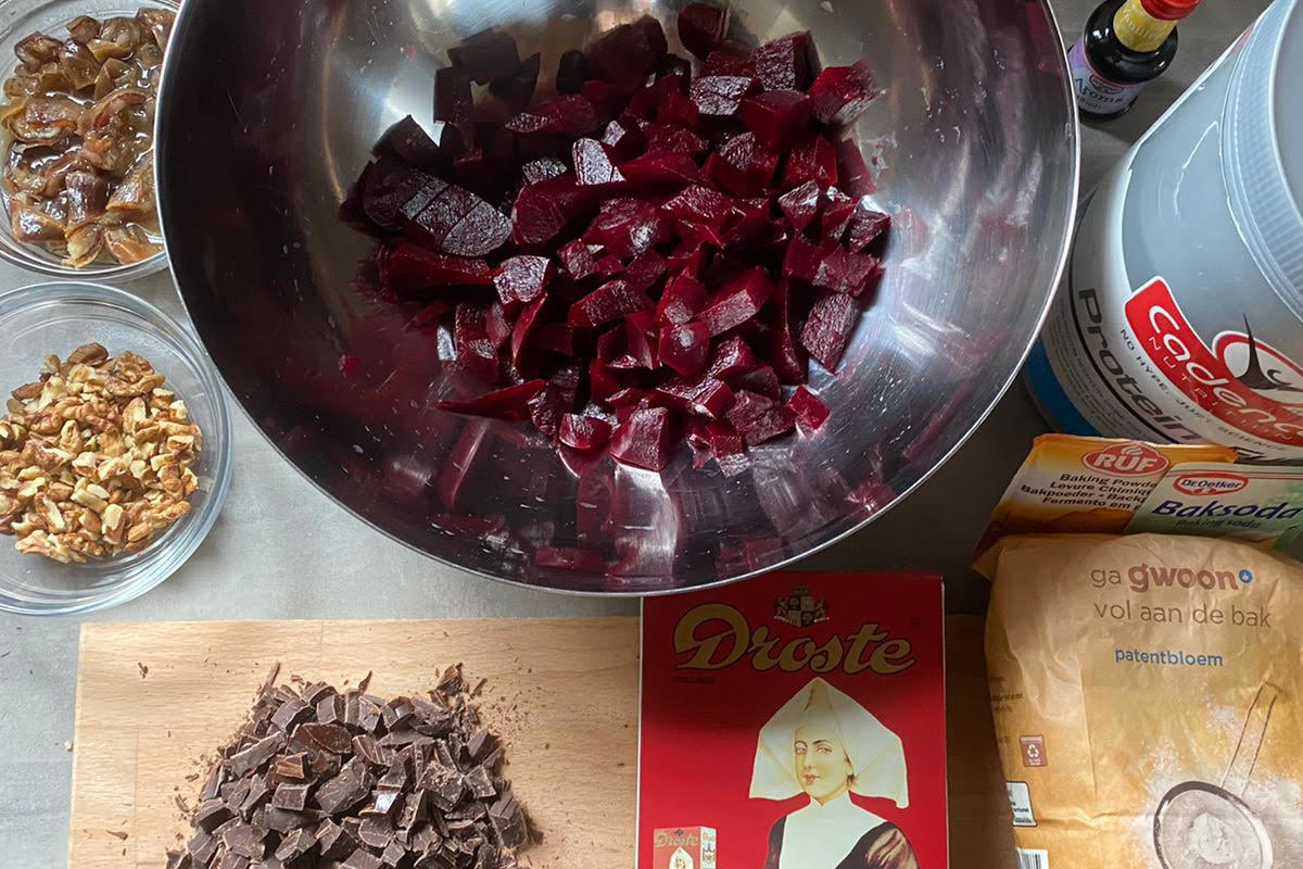 MARISKE'S BEETROOT BROWNIES