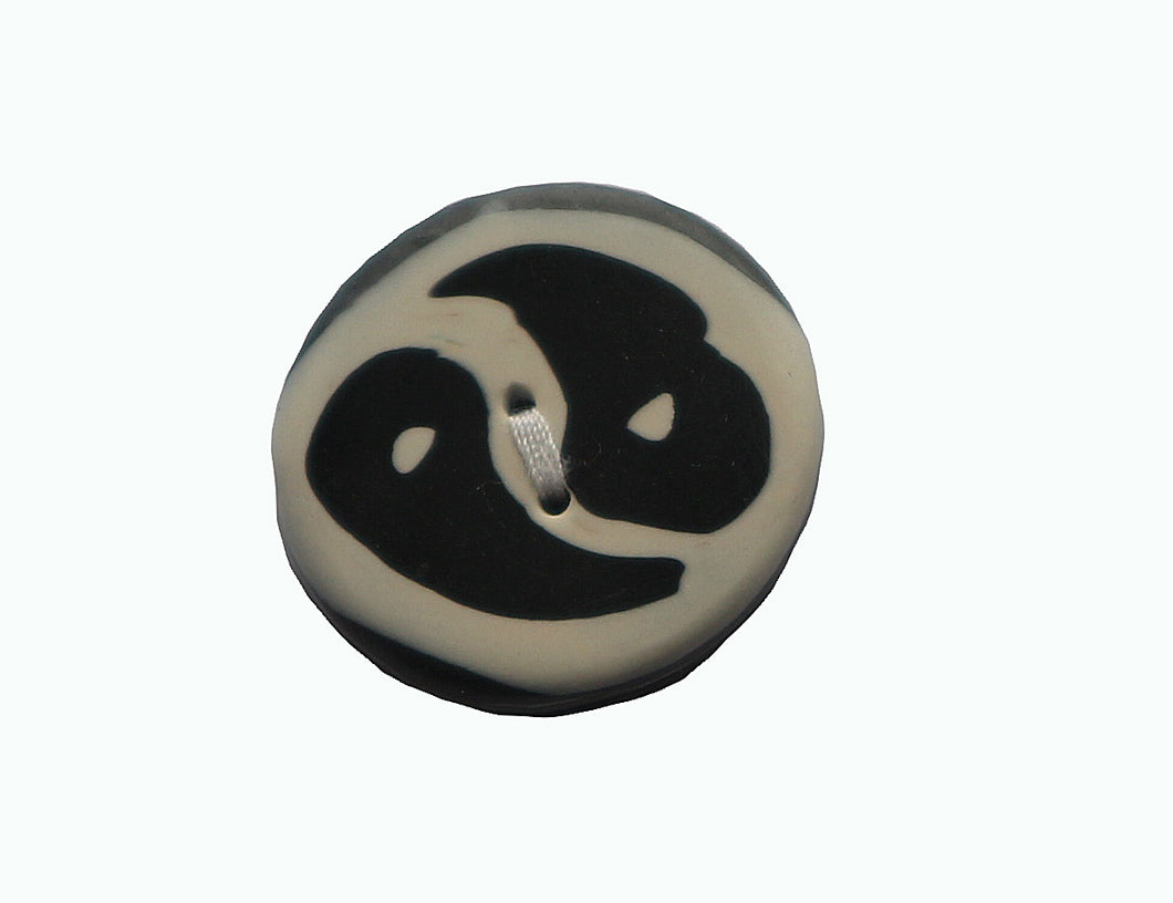 round black and whtie yin yan button