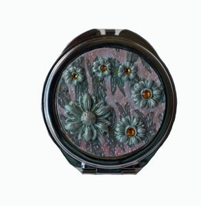 Round Pocket MIrror- White & Green Daisies with Crystals