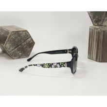 Load image into Gallery viewer, Vera Bradley Lucky You Navy Floral Acrylic Sunglasses with Pouch