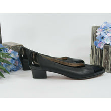 Load image into Gallery viewer, Salvatore Ferragamo Black Leather Cap Toe Shoes Heels 8 X-Narrow EUC