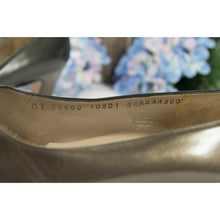 Load image into Gallery viewer, Salvatore Ferragamo DQ28660 Bronze Leather Low Heels Shoes Size 8.5 Extra Narrow