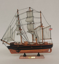 Load image into Gallery viewer, RRS Discovery Medium Replica Model