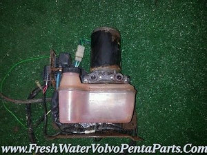 Volvo Penta Dp Sp 290 trim Pump with reservoir and relays 3860372