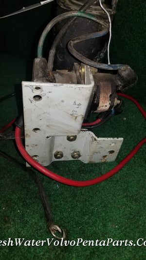 VOLVO PENTA TRIM PUMP WITH BUILT IN RESERVOIR RELAYS AND BRACKET 852928 3586765