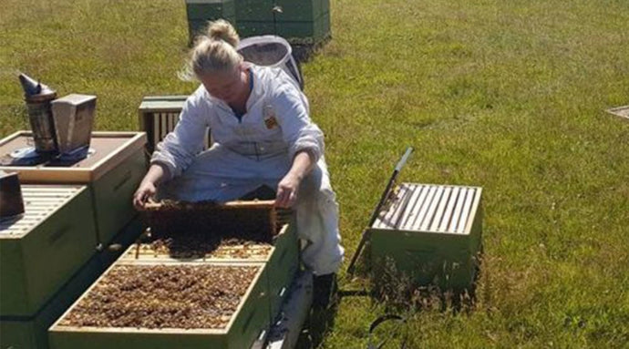 Amanda Cunningham - true honey co. beekeeper