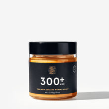 Load image into Gallery viewer, True Honey Co. 300+ MGO 250g Manuka Honey Jar