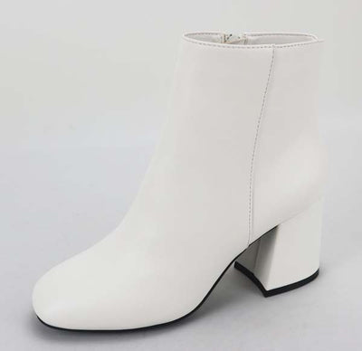 Moody Bootie White