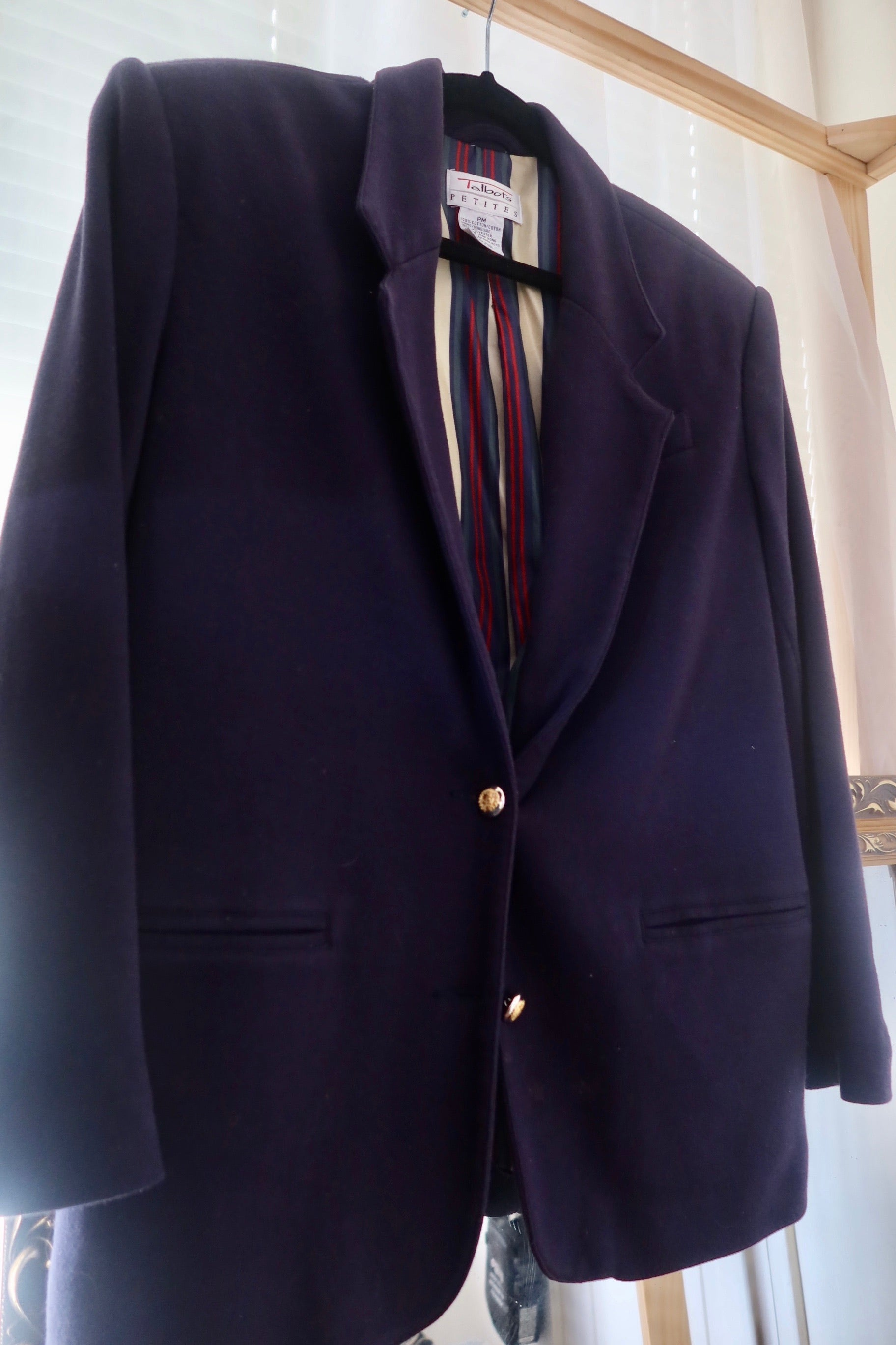 Navy blazer w/stripes