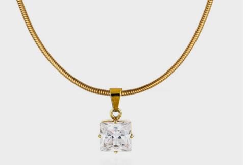 Oasis Necklace By Queen and Collection