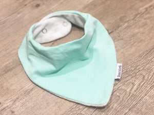 LITTLE WANDERER | MINT BANDANA BIB