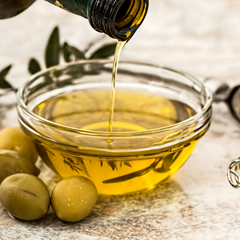 stable, healthy fats like olive oil help in blood sugar maintenance