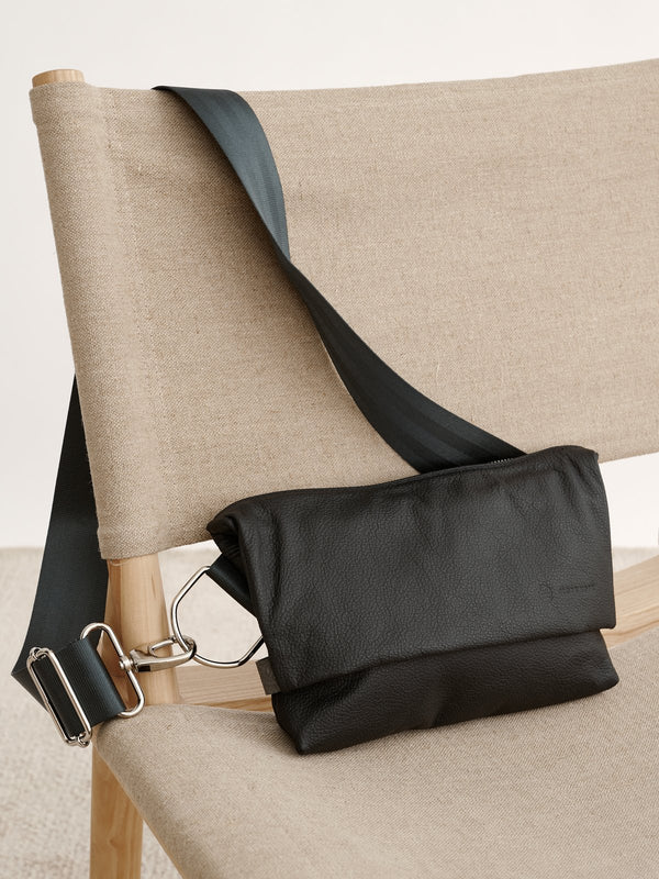 PILKE BELT BAG, BLACK LEATHER