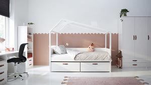Cool Kids day-bed hut