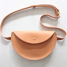 Lade das Bild in den Galerie-Viewer, sjaelv - belt bag natural