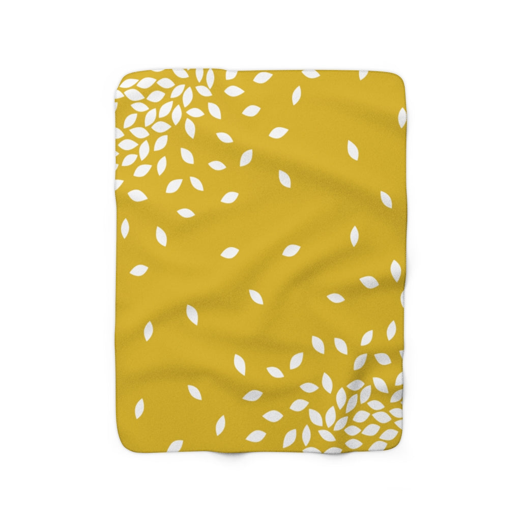 Kathryne Sherpa Fleece Blanket (gold).