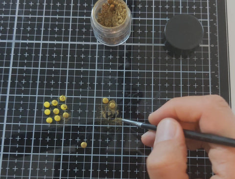 Making gold looking polymer clay
