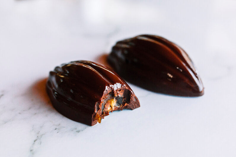 Twin pack organic medjool date chocolate
