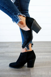 Very G Lilly Ribbed Bootie (Black)