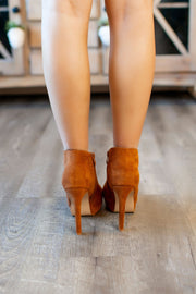 Pump It Up Heels (Chestnut)