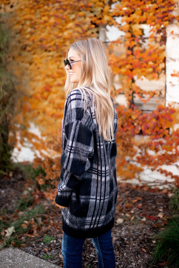 Plaid Sweater Cardigan (Black/Grey)