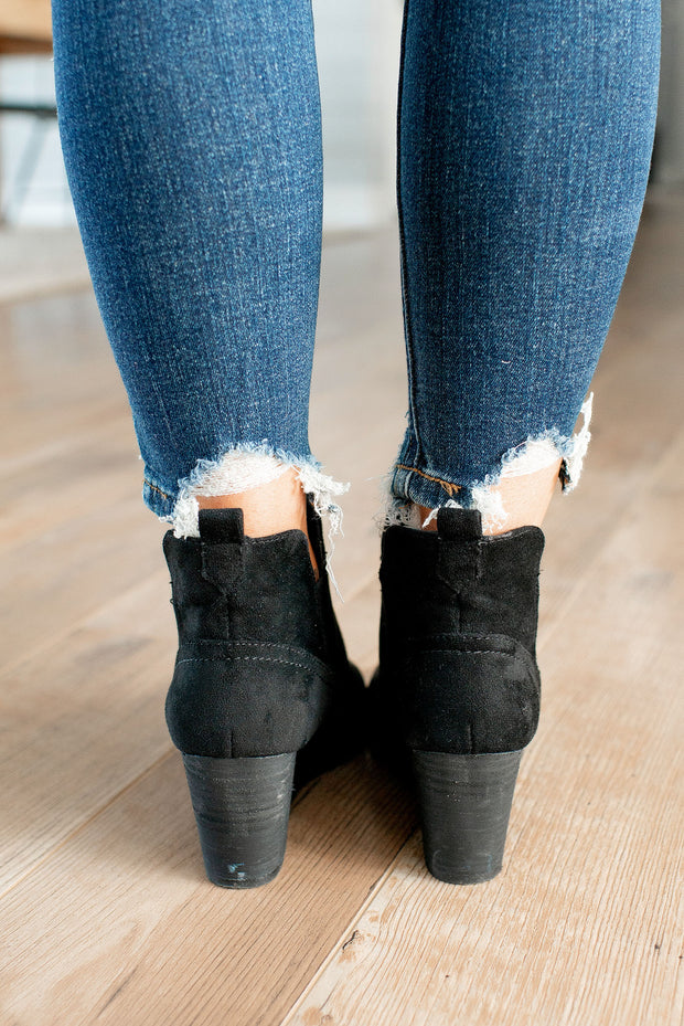 Very G Ava Bootie (Black)