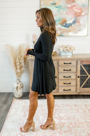 The Larsa Flare Dress (Black)