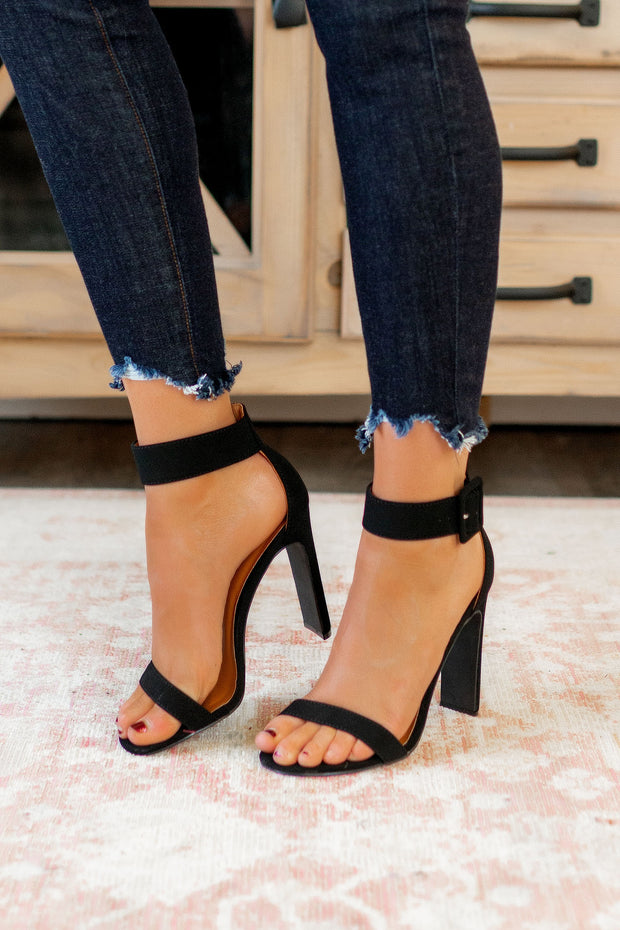 The Thalia Heels (Black)