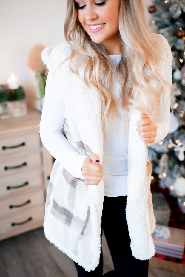 One Of A Kind Sherpa Vest (Ivory/Taupe)