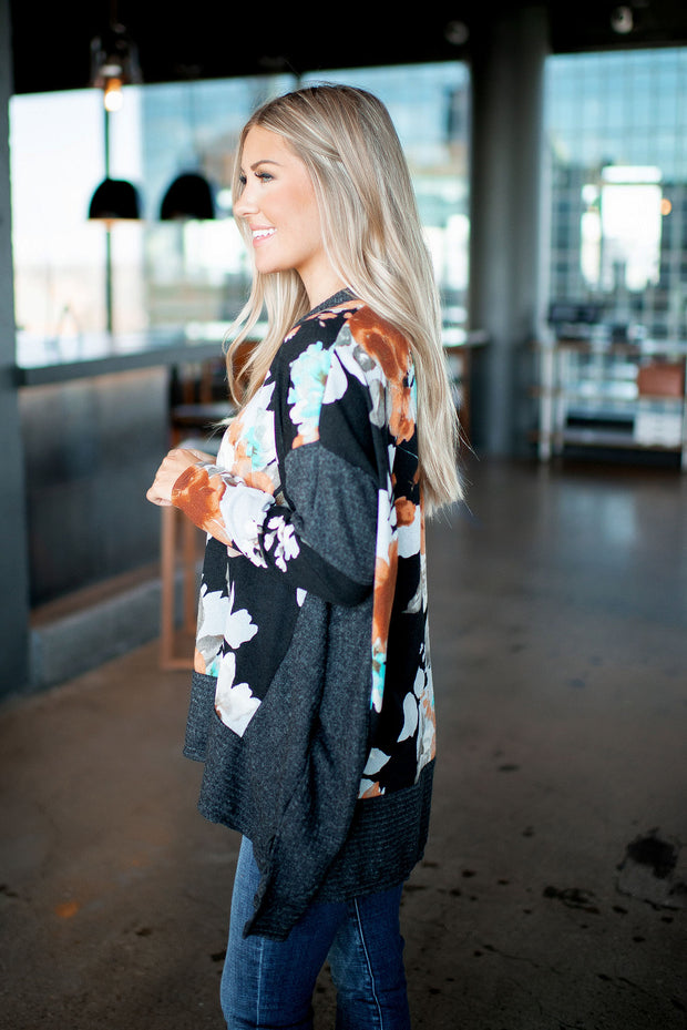 Pretty Pockets Floral Tunic (Black) DOORBUSTER