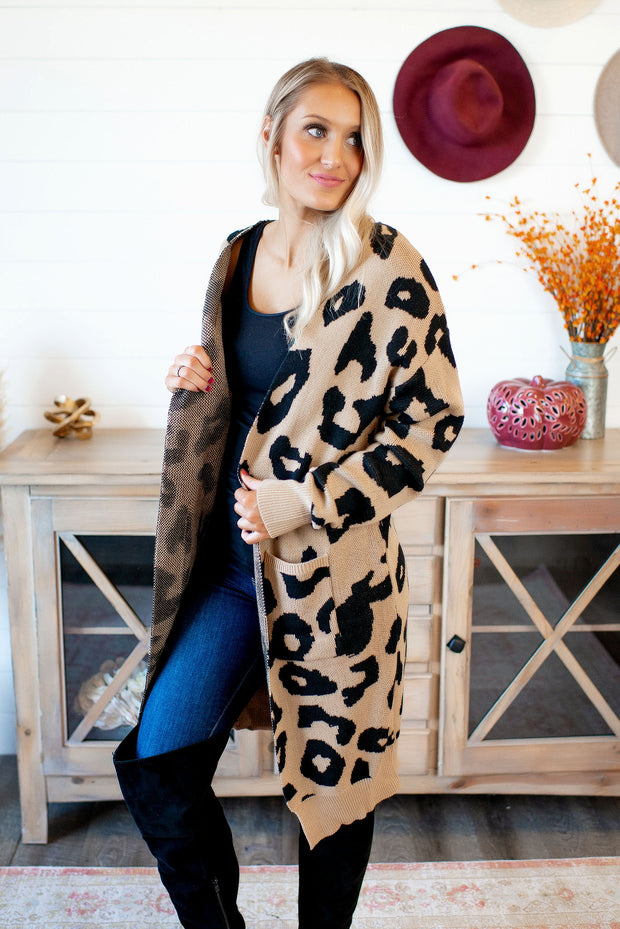 Easily Spotted Duster (Taupe/Black)