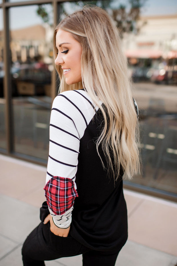 Cabin Getaway Striped Top (Black/Ivory)