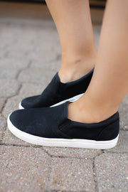 The Leilani Sneaker (Black)