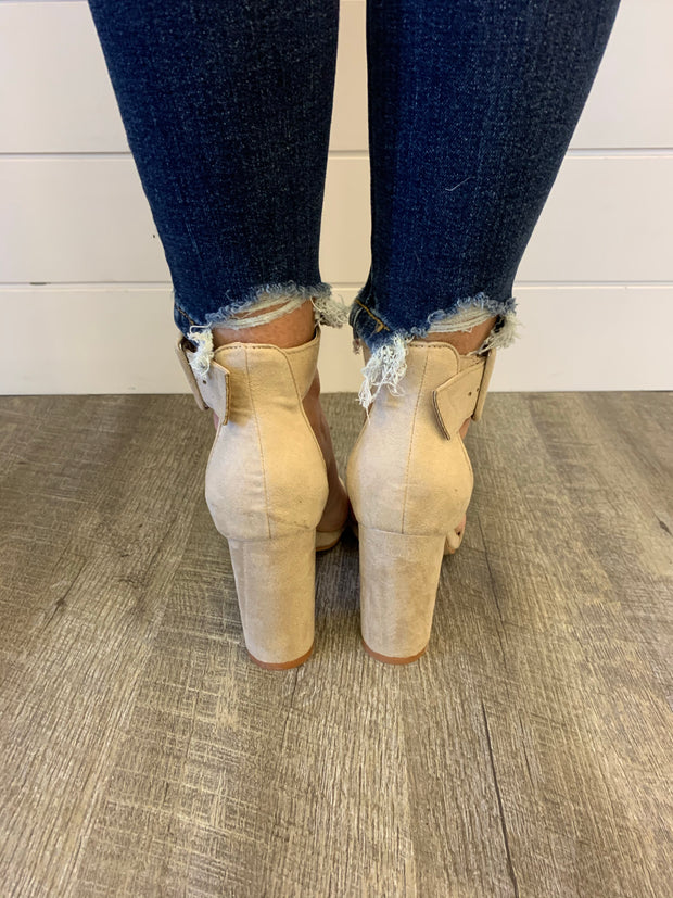 The Holly Heels (Taupe)