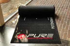 pure2improve putting mat opgerold