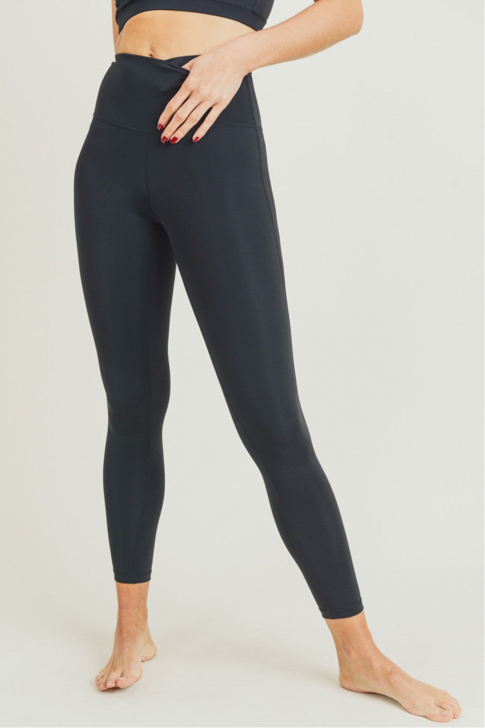 Renewed - Essential Performance Highwaist Leggings