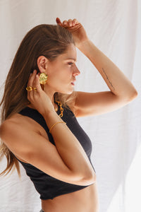 La Forma earrings (textured finish)