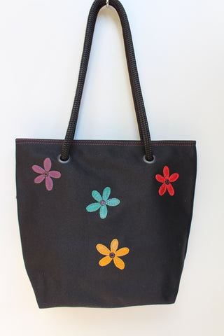 Black multi daisy