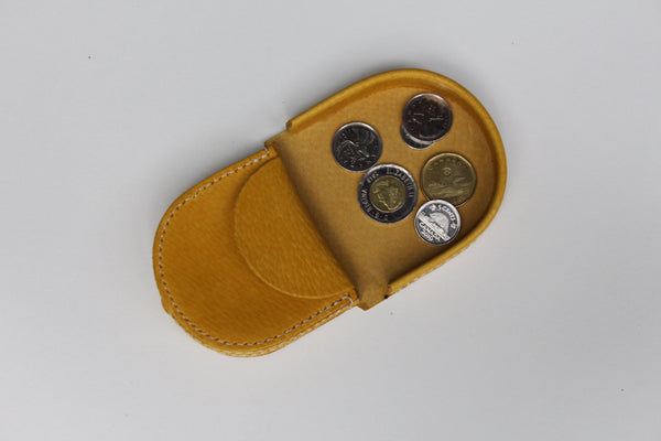 Colour coin pouch