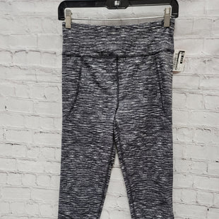 Primary Photo - BRAND: LOU AND GREY STYLE: ATHLETIC CAPRIS COLOR: GREY SIZE: S SKU: 115-115338-3511