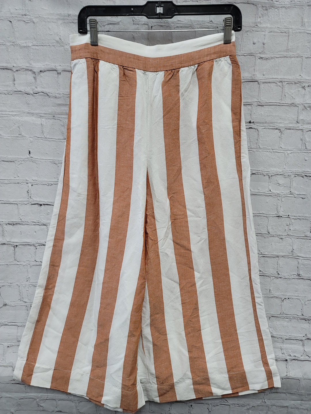 Primary Photo - BRAND: MADEWELL <BR>STYLE: CAPRIS <BR>COLOR: ORANGE <BR>SIZE: M <BR>OTHER INFO: NWT <BR>SKU: 115-115340-1300