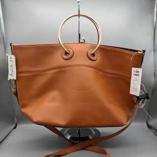 Primary Photo - BRAND:    CLOTHES MENTOR STYLE: HANDBAG COLOR: BROWN SIZE: MEDIUM OTHER INFO: CESCA - CROSSBODY NEW! SKU: 115-115314-9304