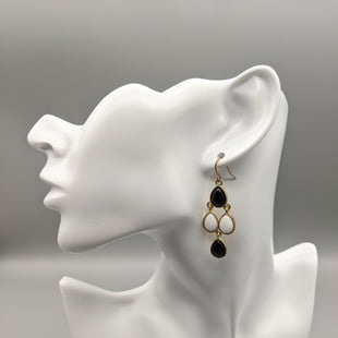 Primary Photo - BRAND:    CLOTHES MENTOR STYLE: EARRINGS COLOR: BLACK WHITE SKU: 115-115314-9867