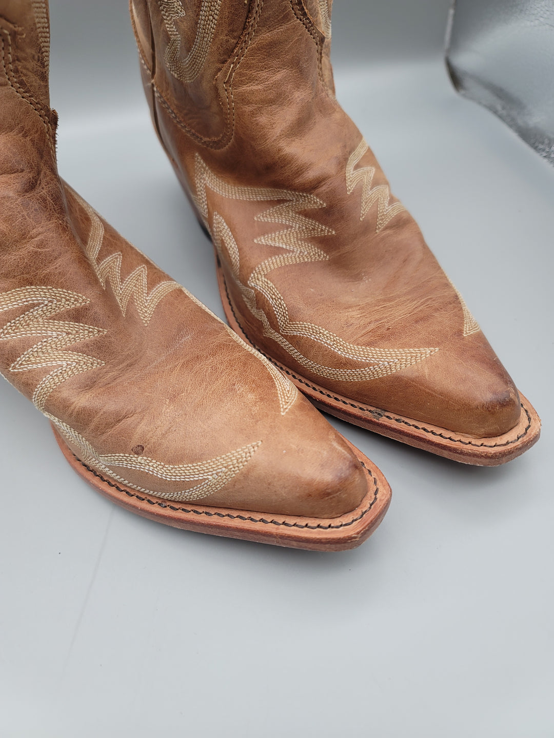 Photo #4 - BRAND: JUSTIN <BR>STYLE: BOOTS KNEE <BR>COLOR: TAN <BR>SIZE: 9 <BR>SKU: 115-115314-11135