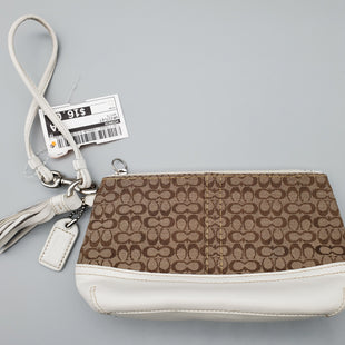 Primary Photo - BRAND: COACH STYLE: WRISTLET COLOR: WHITE SKU: 115-115302-14099MODERATE WEAR THROUGHOUT
