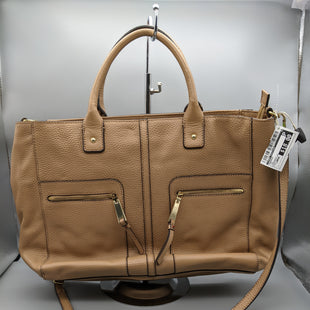 Primary Photo - BRAND: TOMMY HILFIGER STYLE: HANDBAG COLOR: TAN SIZE: LARGE OTHER INFO: CROSSBODY ** SKU: 115-115314-11590
