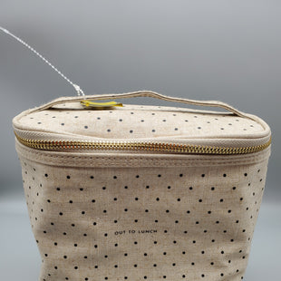 Primary Photo - BRAND: KATE SPADE STYLE: HANDBAG COLOR: TAN SIZE: SMALL OTHER INFO: LUNCH BAG SKU: 115-115336-2462