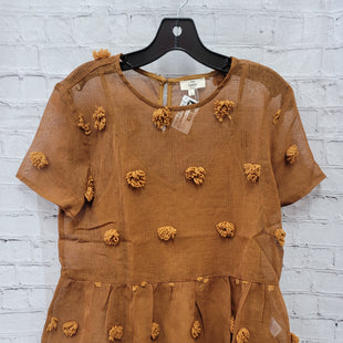 Primary Photo - BRAND: ENTRO STYLE: TOP SHORT SLEEVE COLOR: RUST SIZE: S OTHER INFO: POM POM THINGS SKU: 115-115309-21121