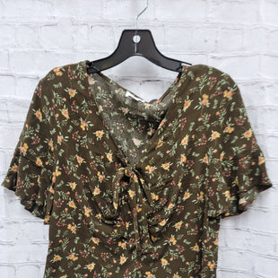 Primary Photo - BRAND: CHARMING CHARLIE STYLE: TOP SHORT SLEEVE COLOR: GREEN SIZE: M SKU: 115-115335-2174