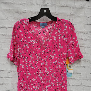 Primary Photo - BRAND: CECE STYLE: TOP SHORT SLEEVE COLOR: FLORAL SIZE: S OTHER INFO: NWT- PINK BKGRND SKU: 115-115257-29853